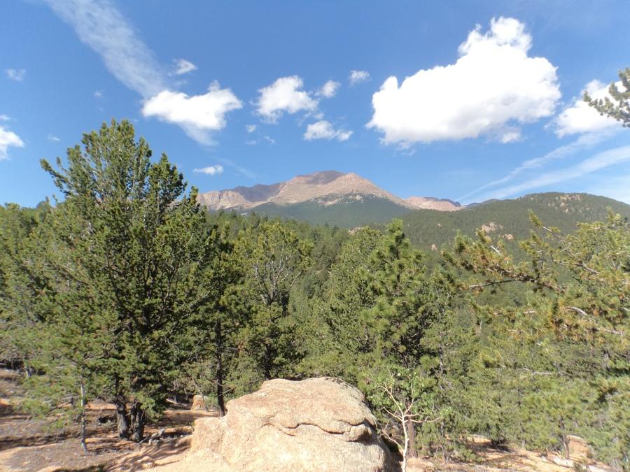 Ben_Duffus_Barr_Trail_pikes_peak_view